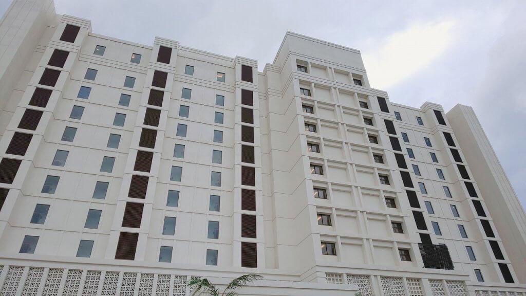アラマハイナコンドホテル高さ