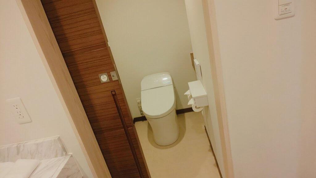 アラマハイナコンドホテル部屋トイレ