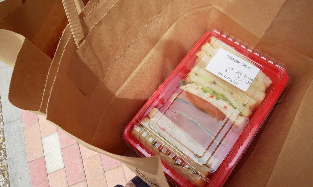コメダ珈琲テイクアウトサンドイッチ